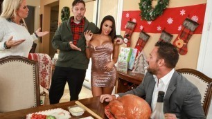 Brazzers - Luna Star Looks Like She Wants To Get Frisky On The Holiday
