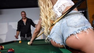 Sexy Waitress Luna Star In Two Balls in the Corner Pocket