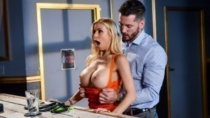 Brazzers - Thirsty Alexis Fawx And Her Dripping Wet Pussy In The Big Stiff