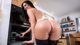 Brazzers - Jasmine Jae Is A Sweet Chief