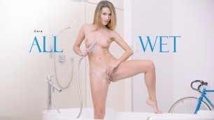 Babes - Wonderful Solo From Beauty Cara On The Bath In All Wet