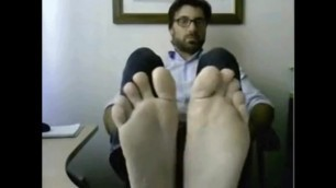 On Duty Dude Shows off Hot Feet in the Office