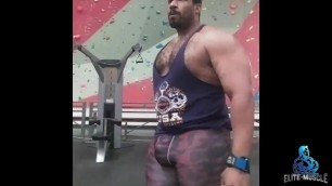 SexyMuscleGod - Gym Bulge Video