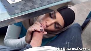 Spectacular Mia Khalifa cowgirl in hijab threesome