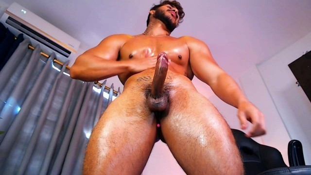 Super Hot Muscle Stud Jerking Off - Special