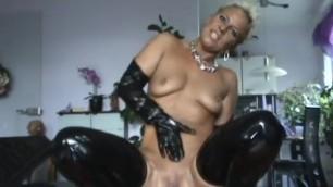 German Perverse Frau Want Dick