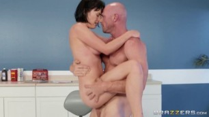 BRAZZERS Johnny Sins Bangs Sexy Brunette Olive Glass