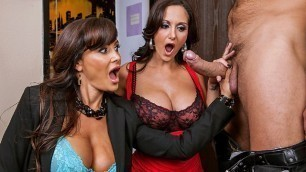 Brazzers - Busty Ava Addams And MILF Lisa Ann In Busted
