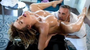 Brazzers - A Treat For Alexis Fawx's Hot Feet