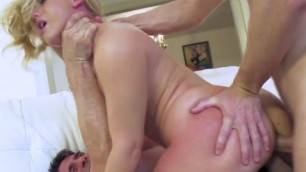 aj applegate Crazy fuck at home on the couch Anal .Double Penetration