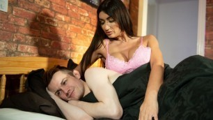 Step-om Princess Jasmine Surprises Him With A Blowjob