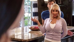Brazzers - Shameless Mom Alyssa Lynn In Forget About Fucking My Daughter And Fuck Me!
