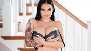 Payton Preslee Titty Fucks Before She Sucks His Big Hard Cock